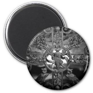 Gothic cemetery gate owls 6 cm round magnet