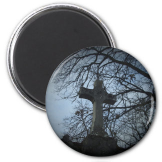Gothic sheltered cross grave magnet