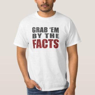 Grab 'em by the Facts Men's T-Shirt   Resist Trump