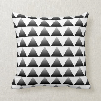 Gradient Triangles Pattern Cushion