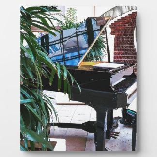 Grand_Piano.JPG Plaque