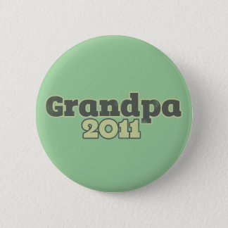 Grandpa to be in 2011 6 cm round badge