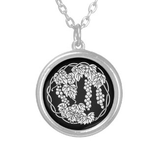 Grapes circle silver plated necklace