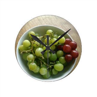 grapes round clock