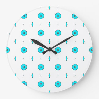 Graphic Clock by Nicola Berresford