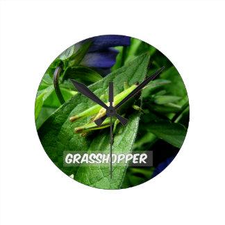 Grasshopper on leaf round clock