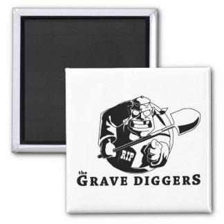 grave diggers logo square magnet
