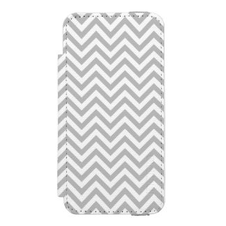 Gray and White Zigzag Stripes Chevron Pattern Incipio Watson™ iPhone 5 Wallet Case