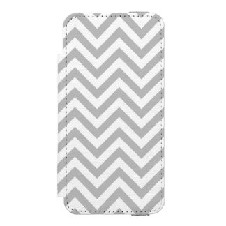 Gray and White Zigzag Stripes Chevron Pattern Incipio Watson™ iPhone 5 Wallet Case