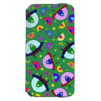 Green alien spaceship pattern incipio watson™ iPhone 6 wallet case