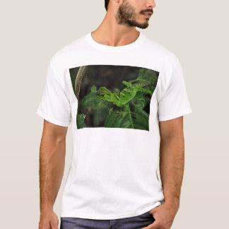 Green Amazonas lizard T-Shirt