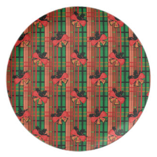 green and red xmas plaid pattern plate