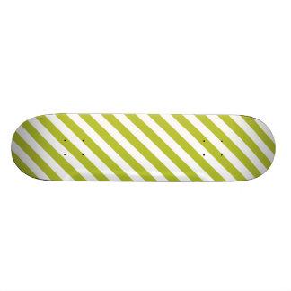 Green and White Diagonal Stripes Pattern 21.6 Cm Skateboard Deck
