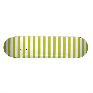 Green and White Stripe Pattern 21.6 Cm Skateboard Deck
