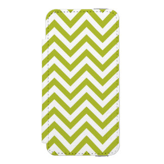 Green and White Zigzag Stripes Chevron Pattern Incipio Watson™ iPhone 5 Wallet Case