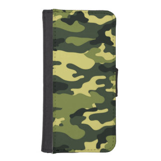 Green camouflage iPhone 5/5s Wallet Case