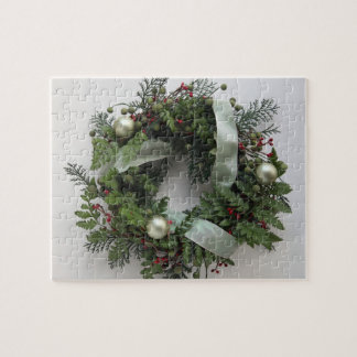 green Christmas wreath puzzle