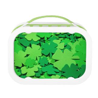 Green clover print lunchbox
