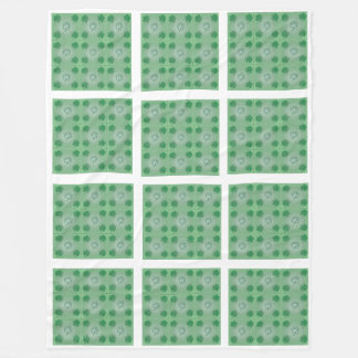 Green clover tile pattern white large blanket