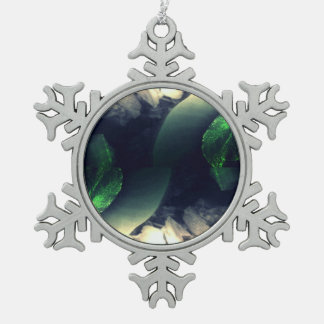 green dew collection pewter snowflake decoration
