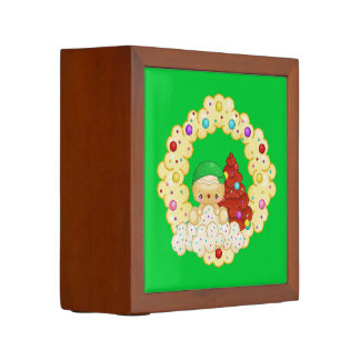 Green Gingerbread Boy Wreath Pixel Art Desk Organiser