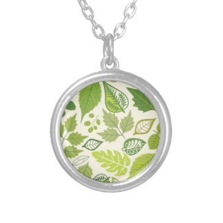 Green Leaf Pattern Round Pendant Necklace