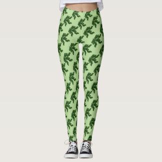Green leaves artwork in a pattern light green B/G Leggings