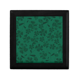 green lflowers gift box
