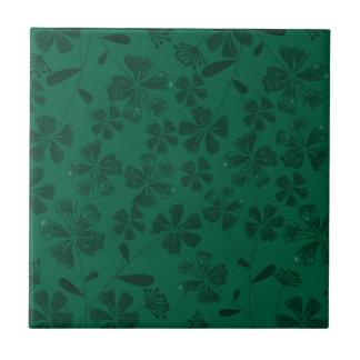 green lflowers tile