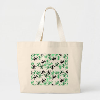 Green lizards pattern large tote bag