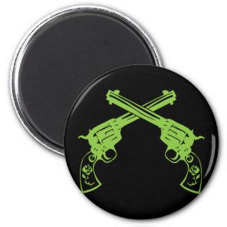 Green Retro Pistols 6 Cm Round Magnet