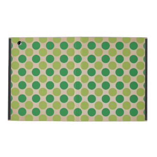Green retro vintage circles pattern iPad case