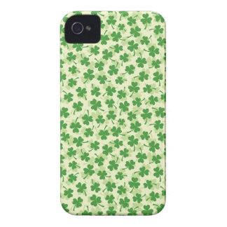 Green shamrock clover pattern lucky iPhone 4 case