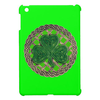 Green Shamrock On Celtic Knots iPad Mini Case
