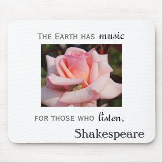 Green Tree Frog in Pink Rose Shakespeare Mouse Pad