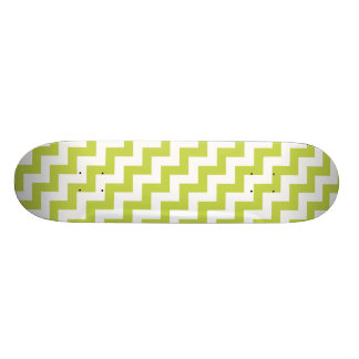 Green Zigzag Stripes Chevron Pattern 19.7 Cm Skateboard Deck