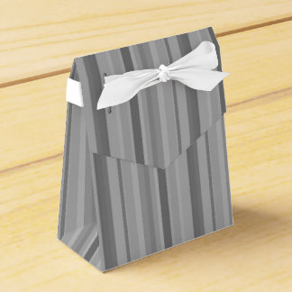 Grey vertical stripes favour box