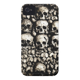 Gritty skulls iPhone 4 Case