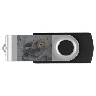 Grizzly 32 GB USB Swivel USB 3.0 Flash Drive