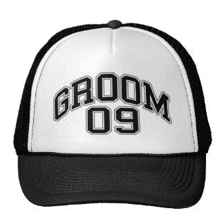 GROOM 09 - hat