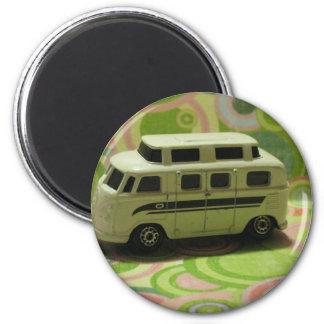Groovy Bus 6 Cm Round Magnet