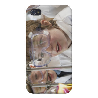 Group of children (9-12) watching experiment in iPhone 4/4S cover