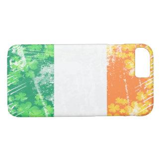 Grunge Irish Tricolor (Flag of Ireland) Shamrocks iPhone 8/7 Case