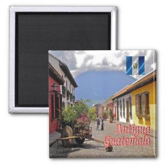 GT - Guatemala - Antigua - Calle del Arco Magnet