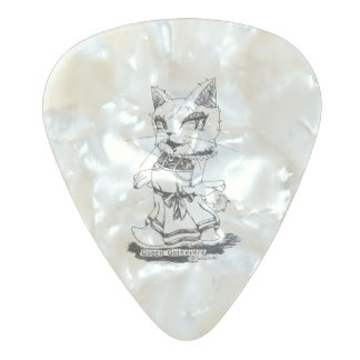 """Guinevere """"Troupe Camelot"""" (queen guinevuia Pearl Celluloid Guitar Pick"""