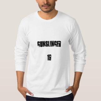 GUNSLINGER, 19 T-Shirt