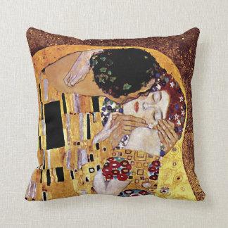 Gustav Klimt - The Kiss - Vintage Art Nouveau Cushion