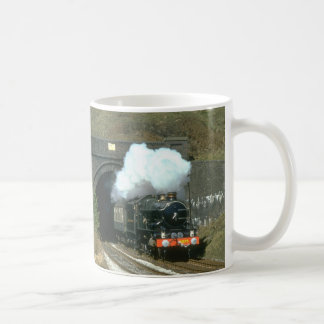 GWR No. 4079 Pendennis Castle emerges from Winchco Coffee Mug
