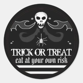 Halloween Black & White Skull Label Trick or Treat
