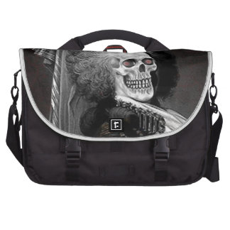 HaLLOwEEN GHoUL PoRTRAiT Laptop Shoulder Bag